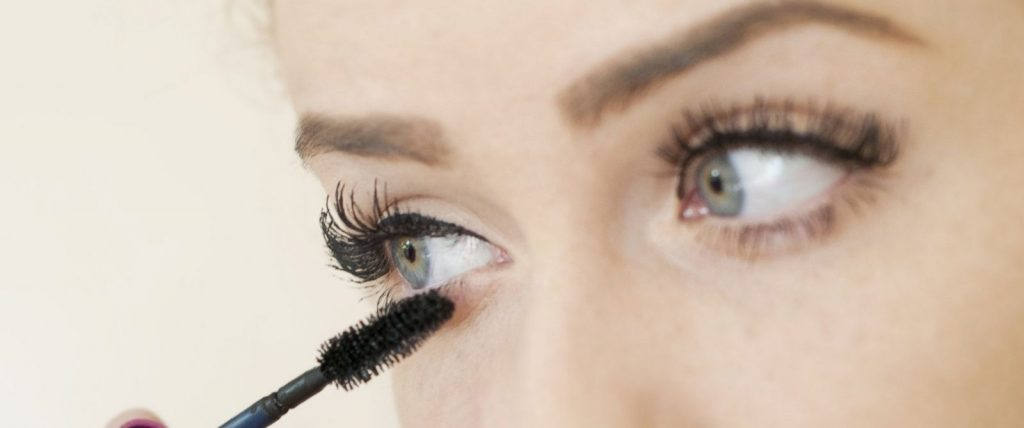 should you apply mascara